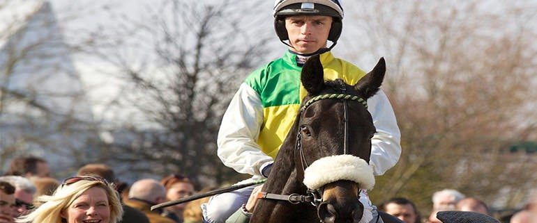 Grand National 2016 horse Many Clouds