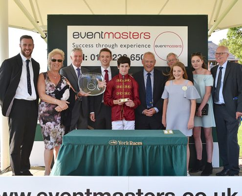Eventmasters present prize to Opal Tira connections