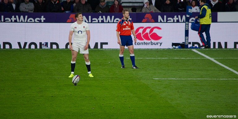 Owen Farrell on the pitch